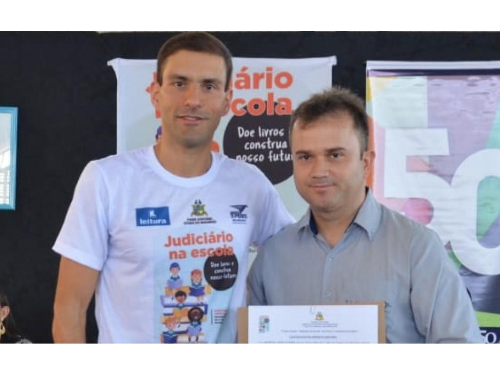 """Ilumisol Buriticupu/MA participa do projeto social """"Doe livros e construa nosso futuro"""""""