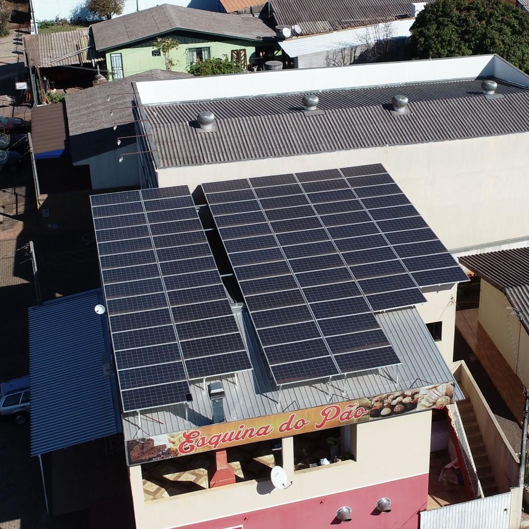 Empresas utilizam energia solar para reduzir os gastos com a conta de luz